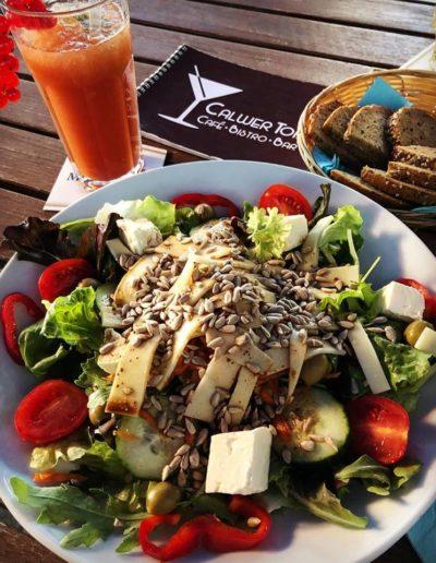 Landsalat, frische Salate, Gesund, Lecker, Vegetarisch, Café Bistro Calwer Tor Weil der Stadt Bar Cocktails Böblingen Sindelfingen Calw Cocktails Bier vom Fass Wein Tee Kaffee